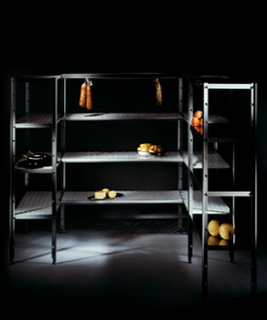 Modular shelving for cold rooms
